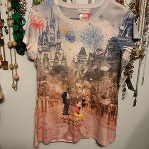Disney NWT Main Street U.S.A. Magic Kingdom tee